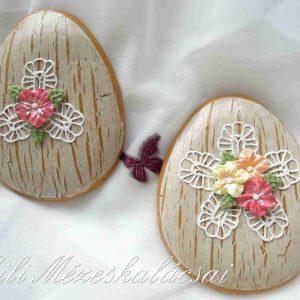 Húsvéti tojás bézs antik alapon csipkés-virágos