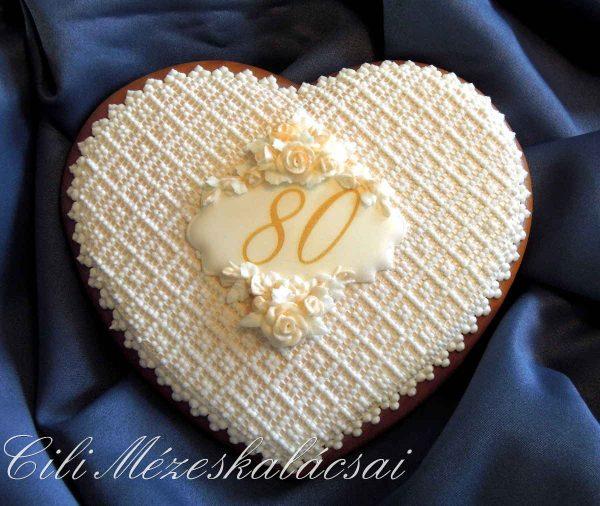 Nagy mézeskalács szív csipkével és 3D rózsával