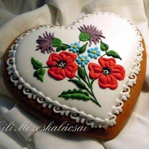 Kalocsai pipacsos mézeskalács szív